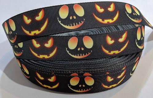 Spooky eyes collar