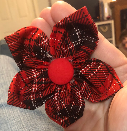 "4"" red plaid flower"