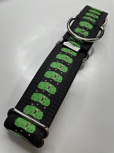 Black pickle collar