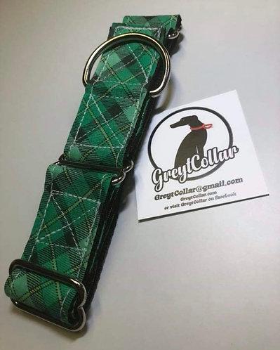 Green plaid tag/house adjustable collar