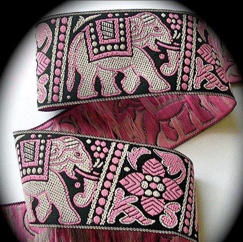 The Greyt Elephant collar