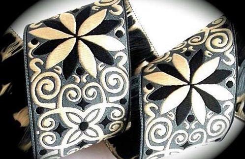 Black jacquard fancy collar