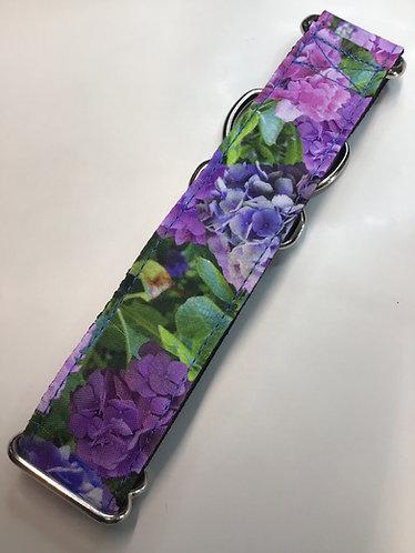 Multi color hydrangea collar