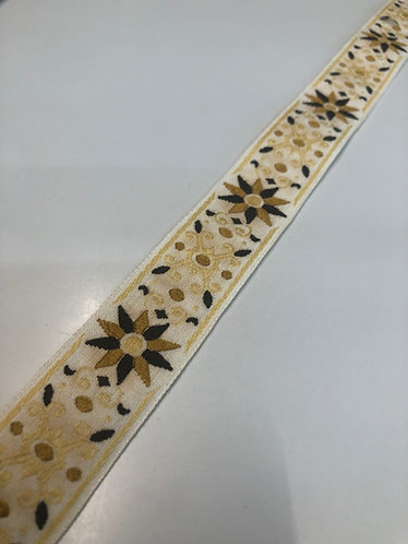 Cream gold and black collar