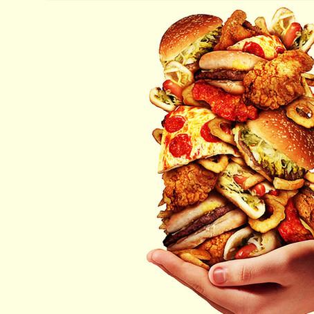Como controlar a compulsão alimentar