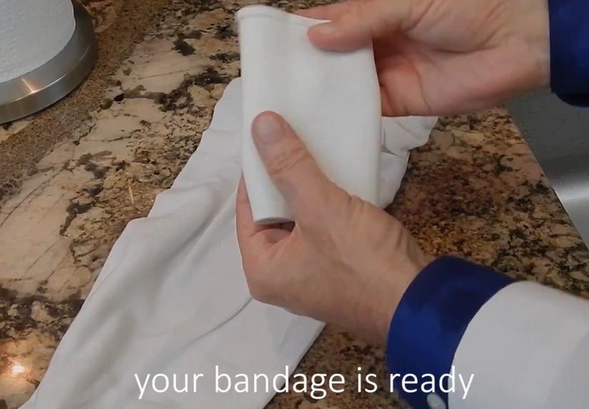 清潔繃帶步驟(7)