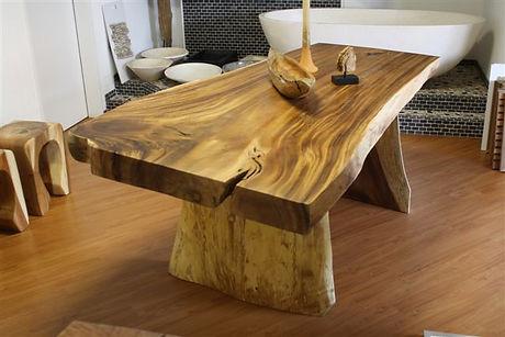 Massivholztisch-aus-Soar-4.jpg