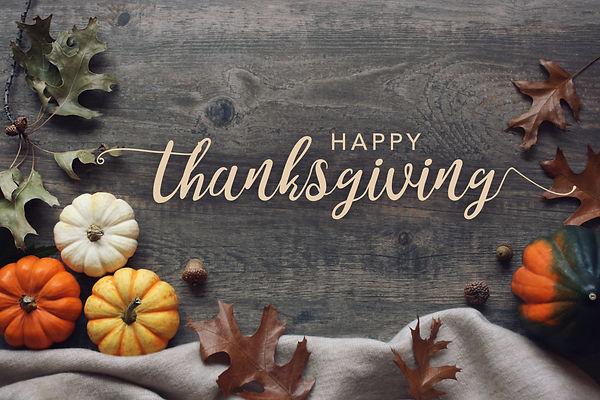 Happy Thanksgiving script with pumpkins