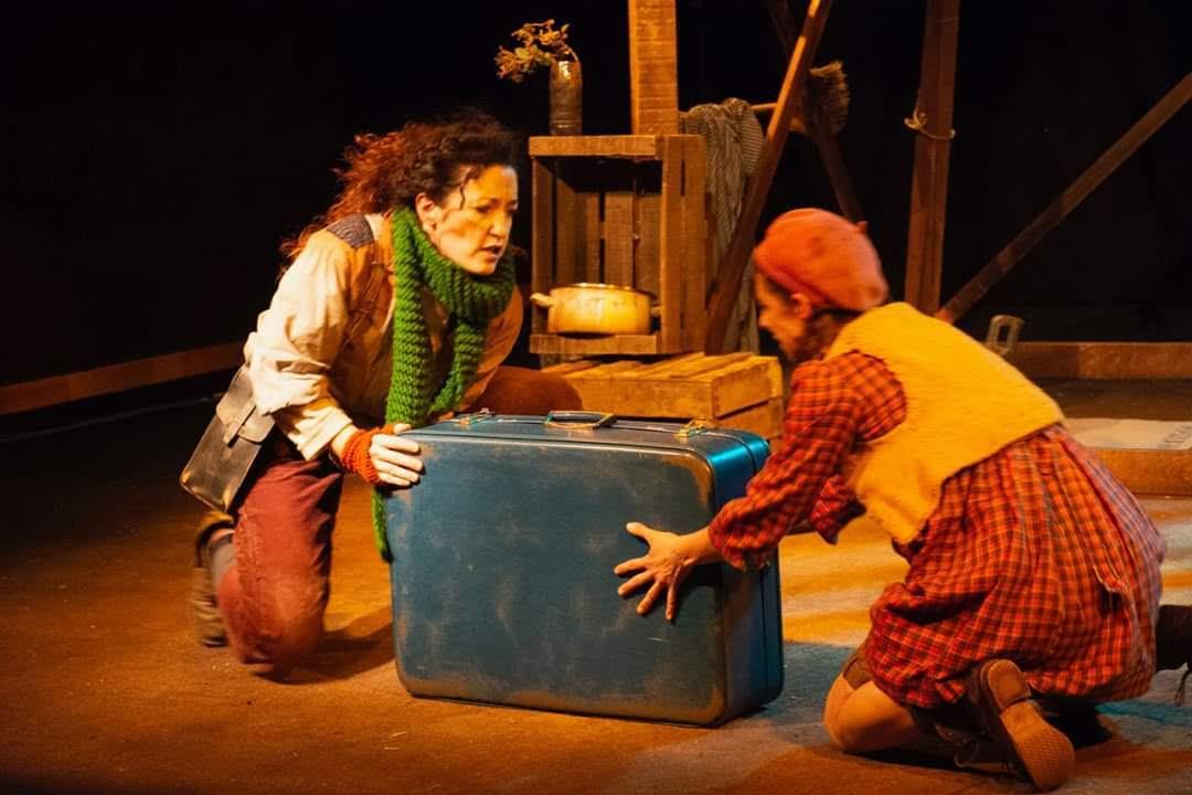 La-casa-más-pequeña_Yarleku-teatro_FETEN