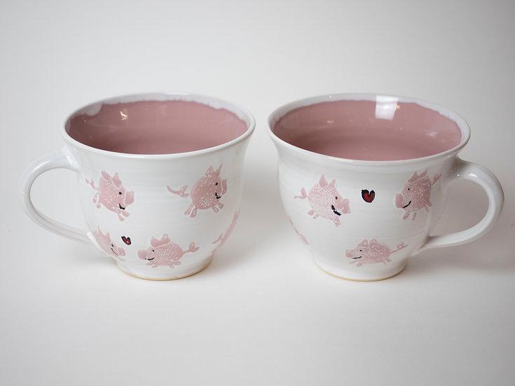 Zwei große Tassen - Schweine