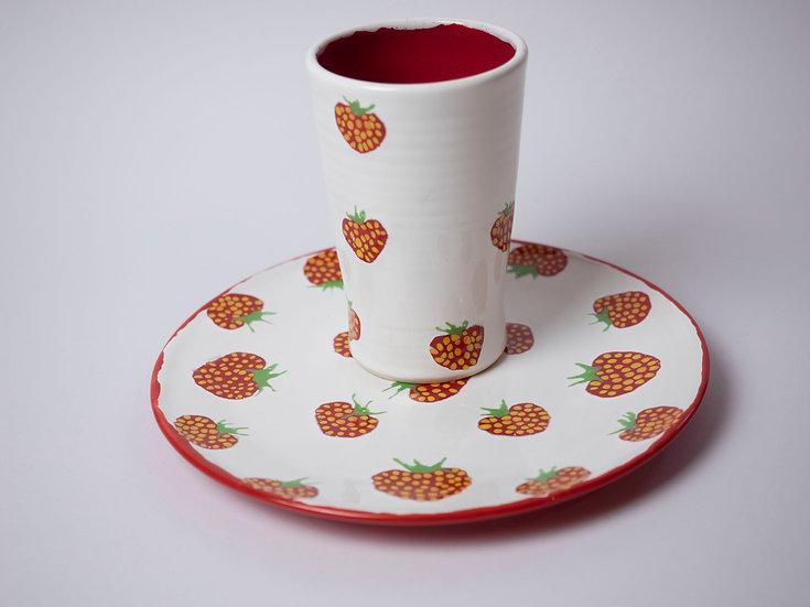 Set - Teller / Becher Erdbeere