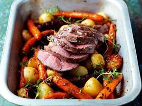 Mini rôti d'agneau aux mini-carottes et pommes de terre nouvelles