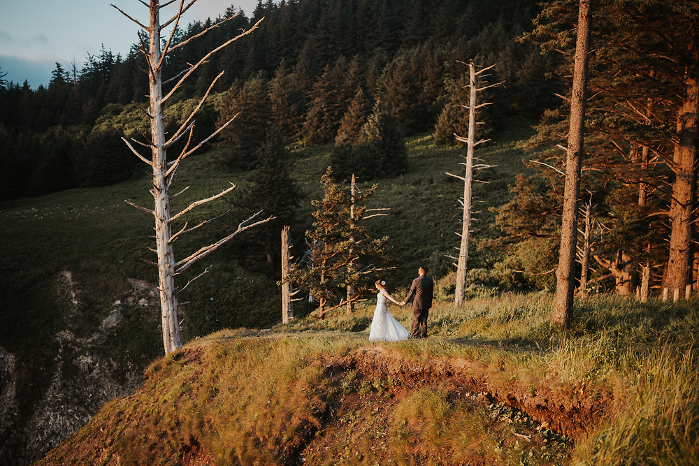 adventure hiking elopement on the oregon coast bridal photography