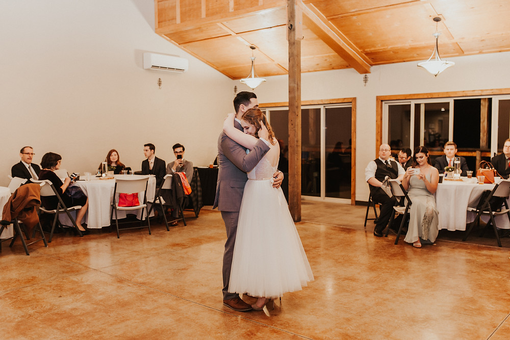 rainy day wedding on the mountain coeur d'alene idaho