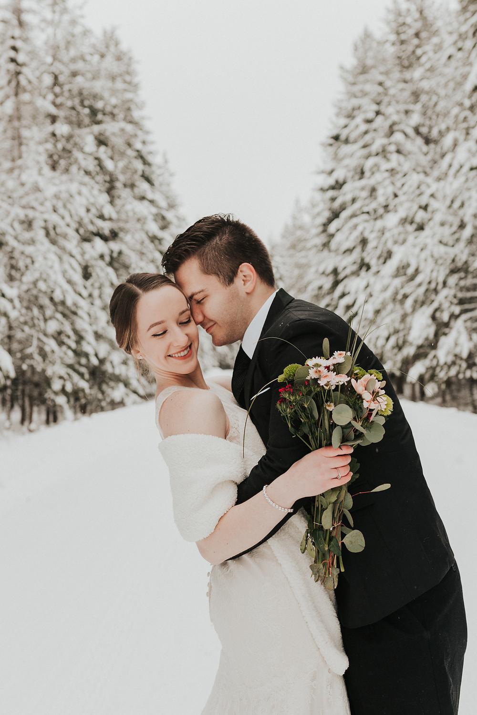 winter elopemen bridals