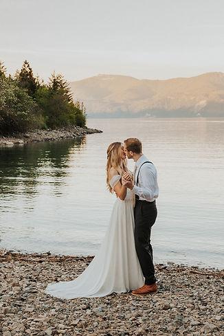 sunset adventure bridals in north idaho, coeur d'alene idaho. idaho and pacific northwest adventure elopement photographer