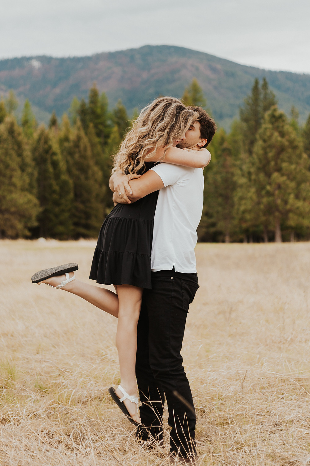 north idaho adventure couples session in the mountains