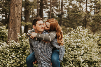 Cozy Forest Couples Session on Tubbs Hill