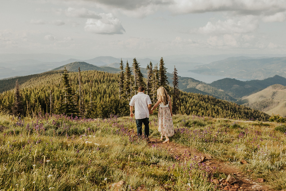 adventure couples session in the mountains of idaho