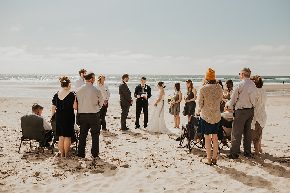oregon coast ceremony on the beach photography elopement adventure