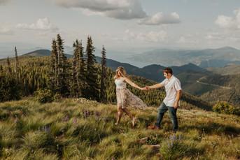 Adventure Couples Session on Chilco Mountain