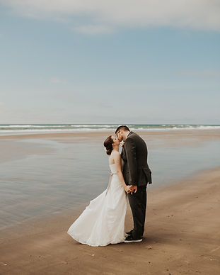 3 reasons you should elope oregon coast elopement bridals elopement planning tips