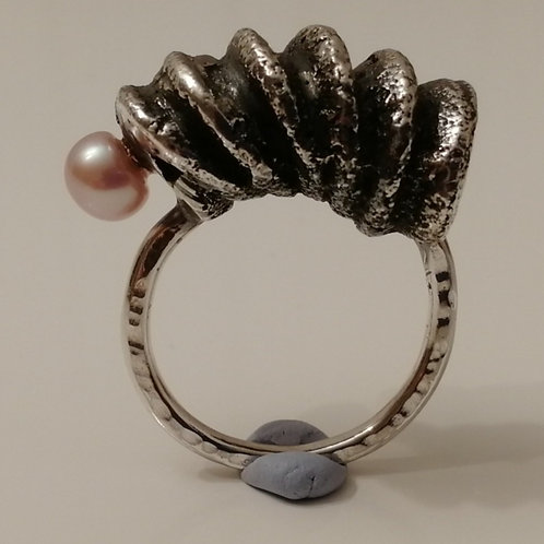 Solid sterling silver pasta ring with a pearl