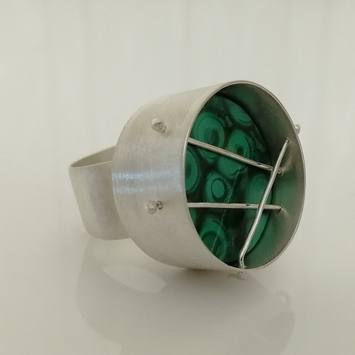 Solid sterling silver ring with large malachite