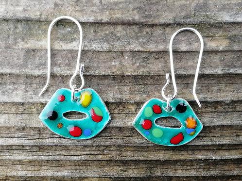Double sided enameled lip earrings