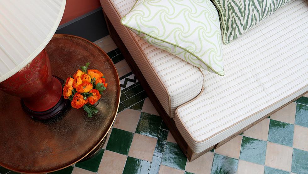 Bespoke sofa 01.jpg