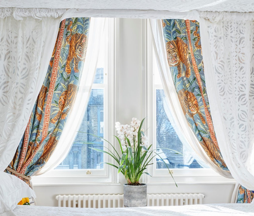 Four poster bed curtains.jpg