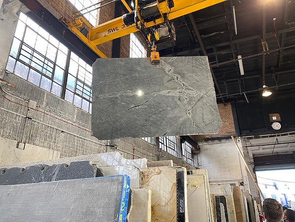 choosing marble slabs 02.jpg