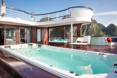 President Cruises - Pool 4.jpg