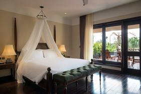 Premium-Terrace-Suite.jpg