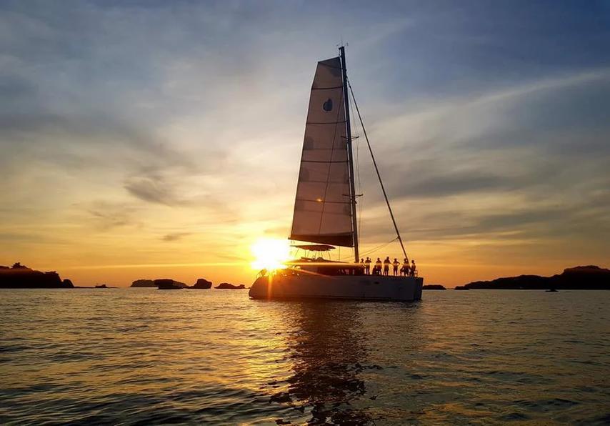 iem-du-thuyen-catamaran-sarita-phu-quoc-