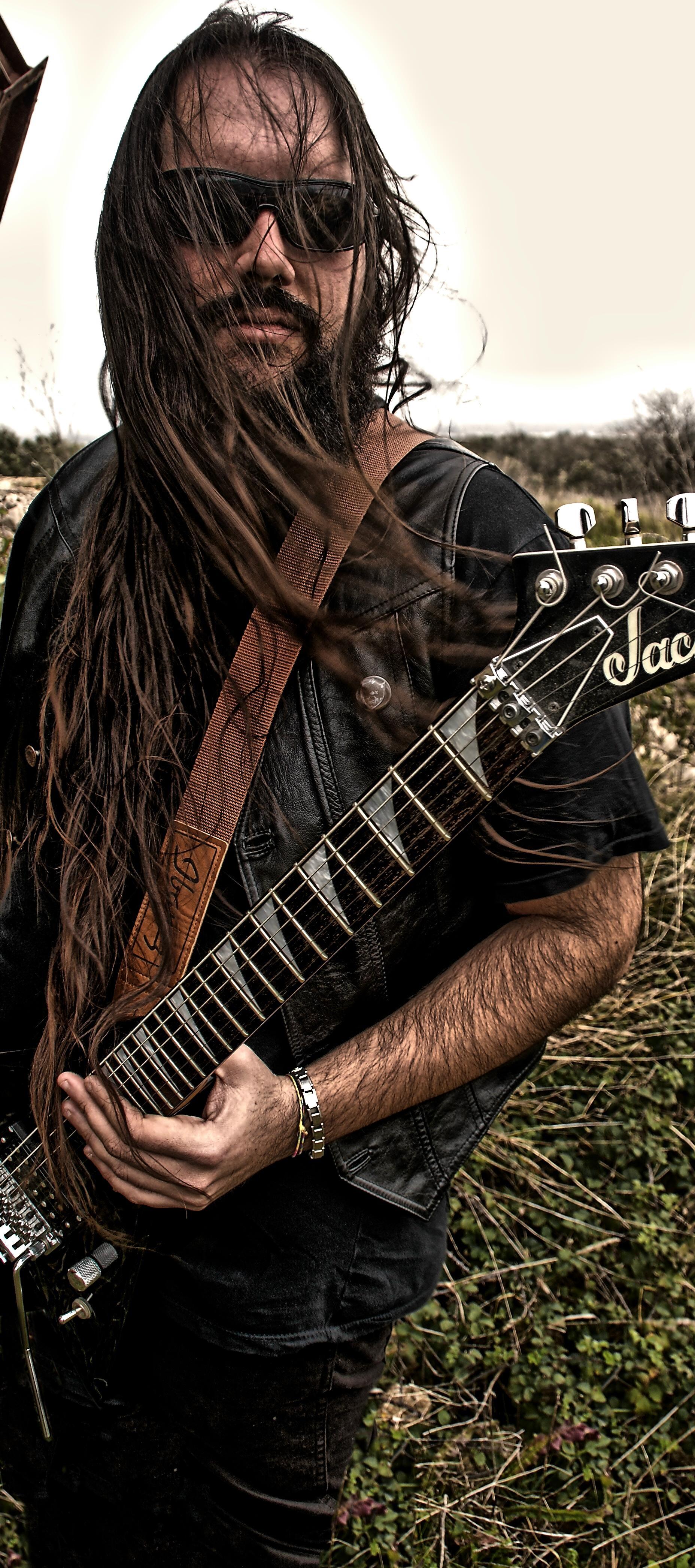 Andrea Donaera - Guitar