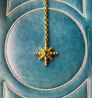 Linda Hoj- diamond and 22k gold necklace