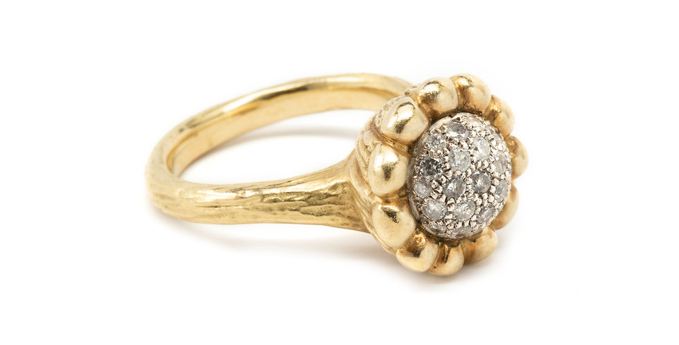 18k Gold Diamond Pavè Flower Ring