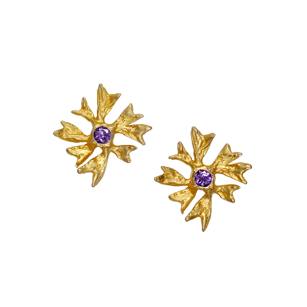 18k Yellow Gold Maple Flower stud earrings with Amethyst