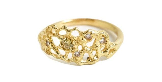 Diamond Venus Fan Ring Petite