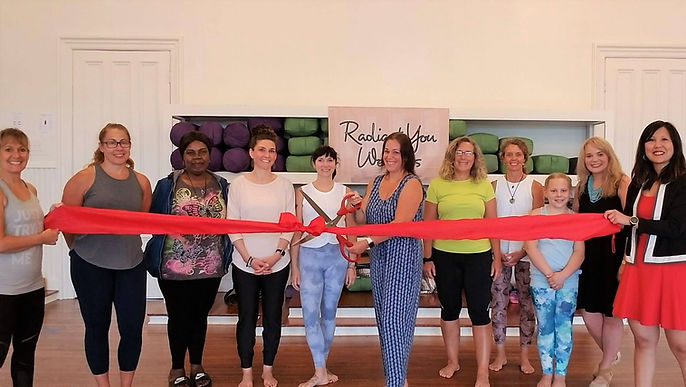Starting from the left, Sheryl Vega (Vice President), Carrie Macrillo with her friends and employees, Julie DiPalma (Board Member) with her daughter, and Vicky Nguyen (President), for the ribbon cutting.