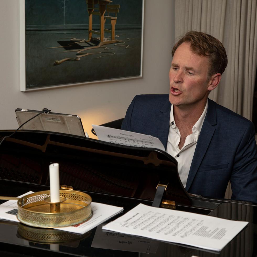 Lars Bo Ravnbak underholder