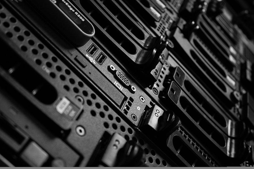 computers-2652997_1920.jpg