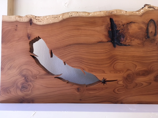 Feather silhouette in Yew
