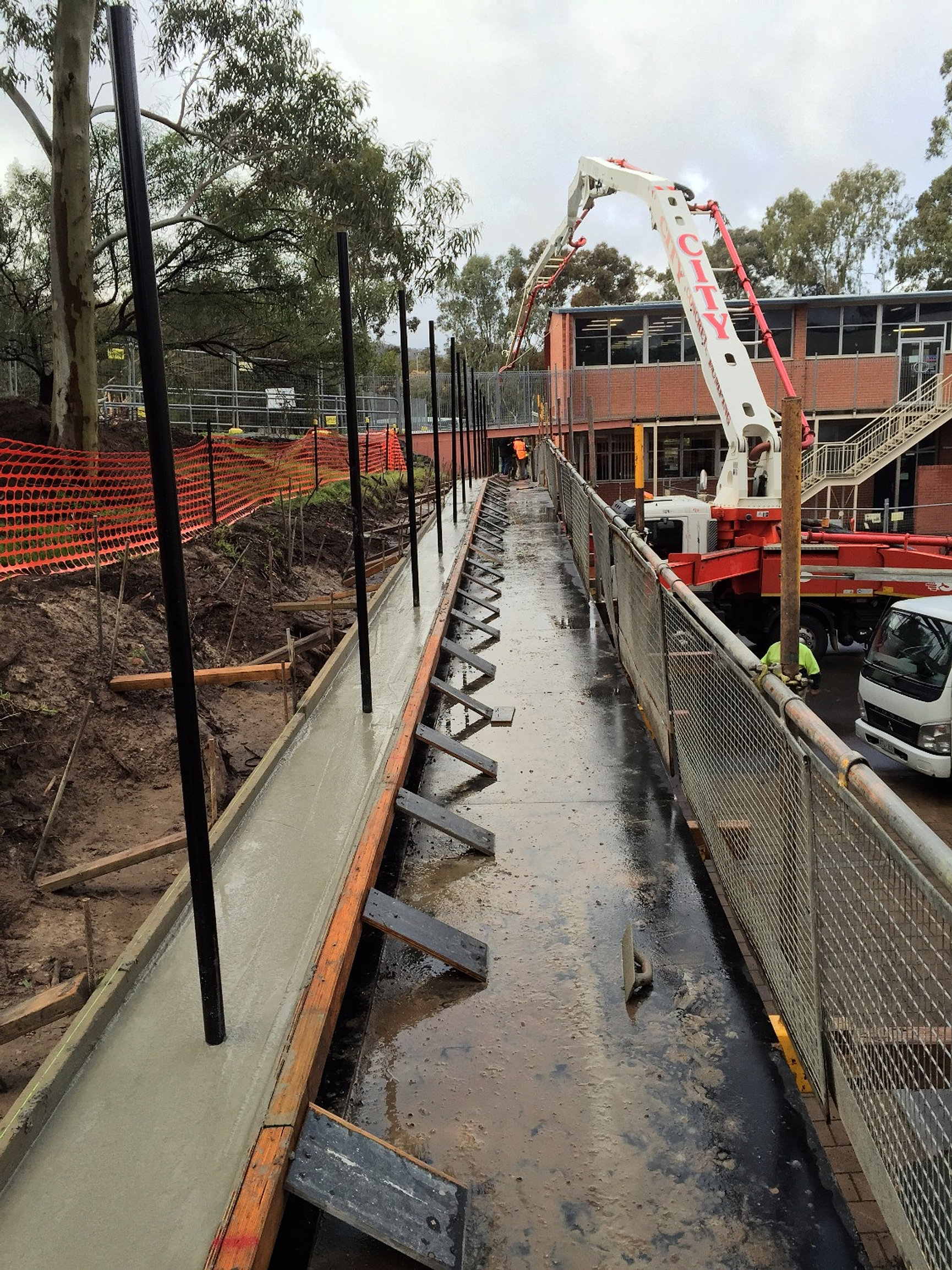 Wall Construction Services : Adelaide commercial building property services