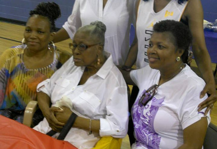 Willie Mae Morris and her Daughters