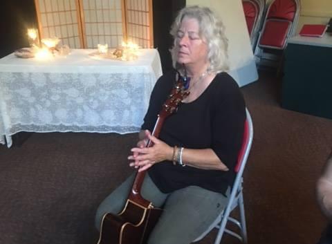 Beth guitar.jpg