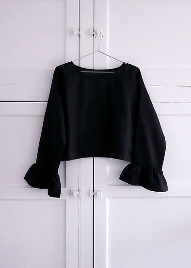 The Flutter Blouse - Black