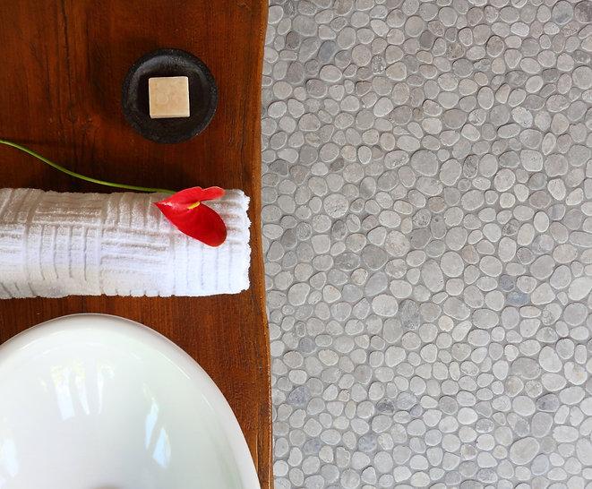 Level Pebble Tile