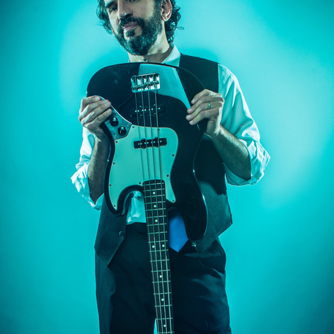 Michael Goldwasser_Fender Jazz Bass - Photo Credit Jay Velarde